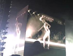 Beyonce zaprasza na scenę fanki, a one... tańczą lepiej niż ona!